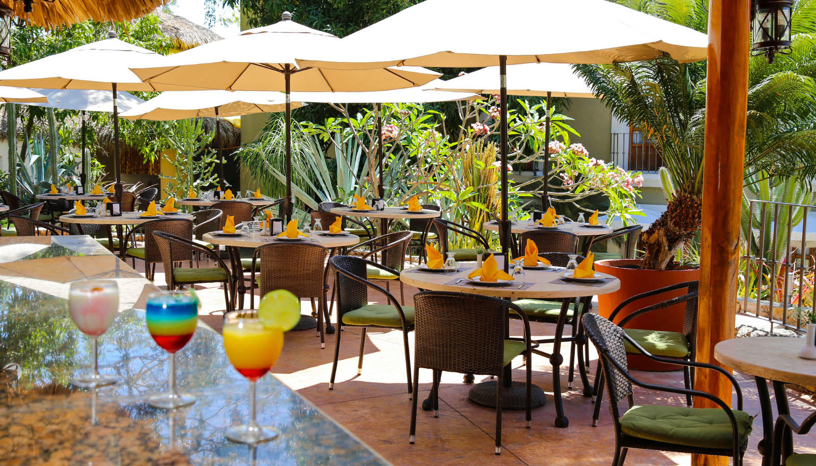 hotel binniguenda huatulco restaurant bar food all inclusive services facilities amenities
