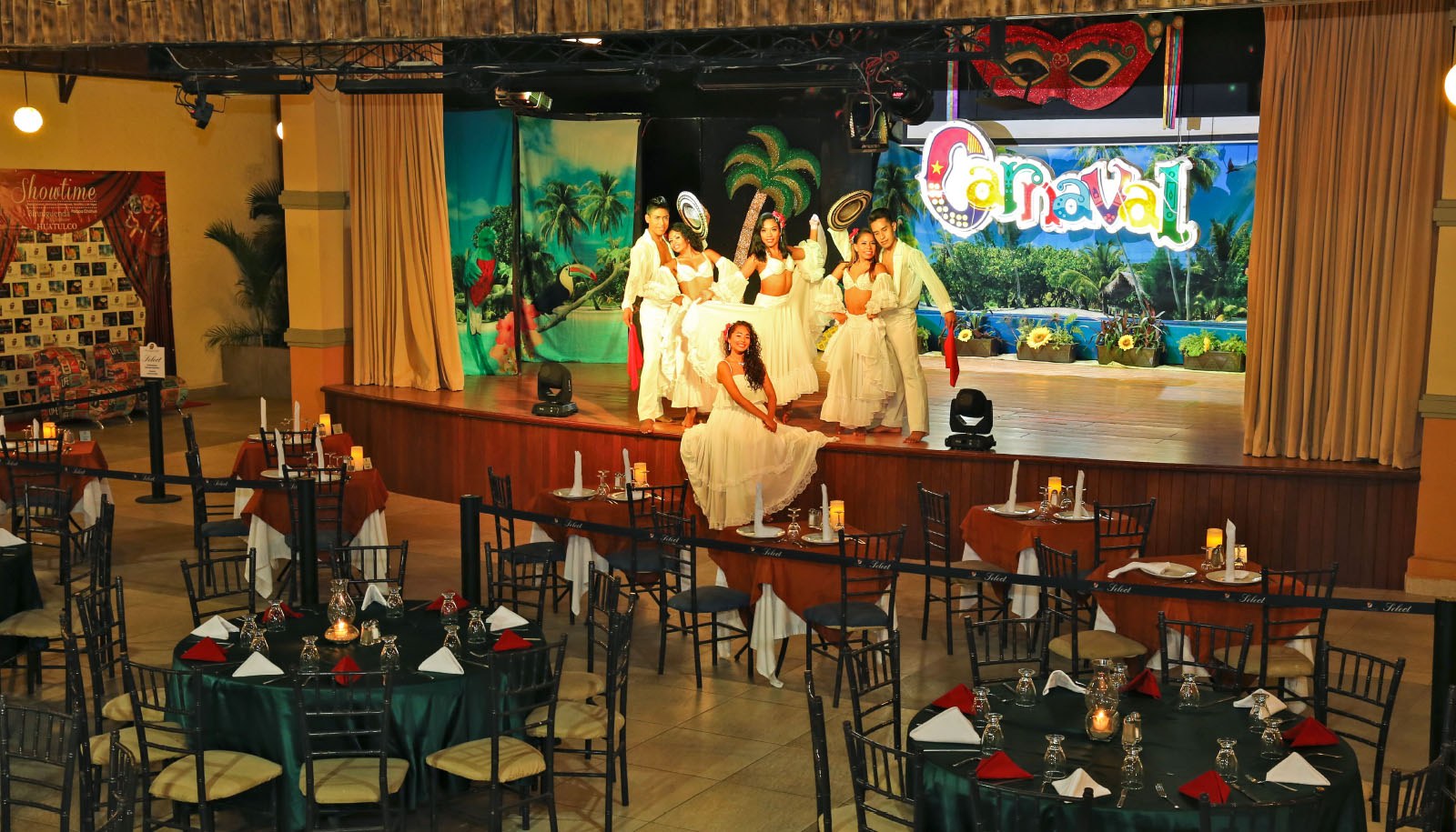 hotel binniguenda huatulco dinner show event restaurant buffet all inclusive