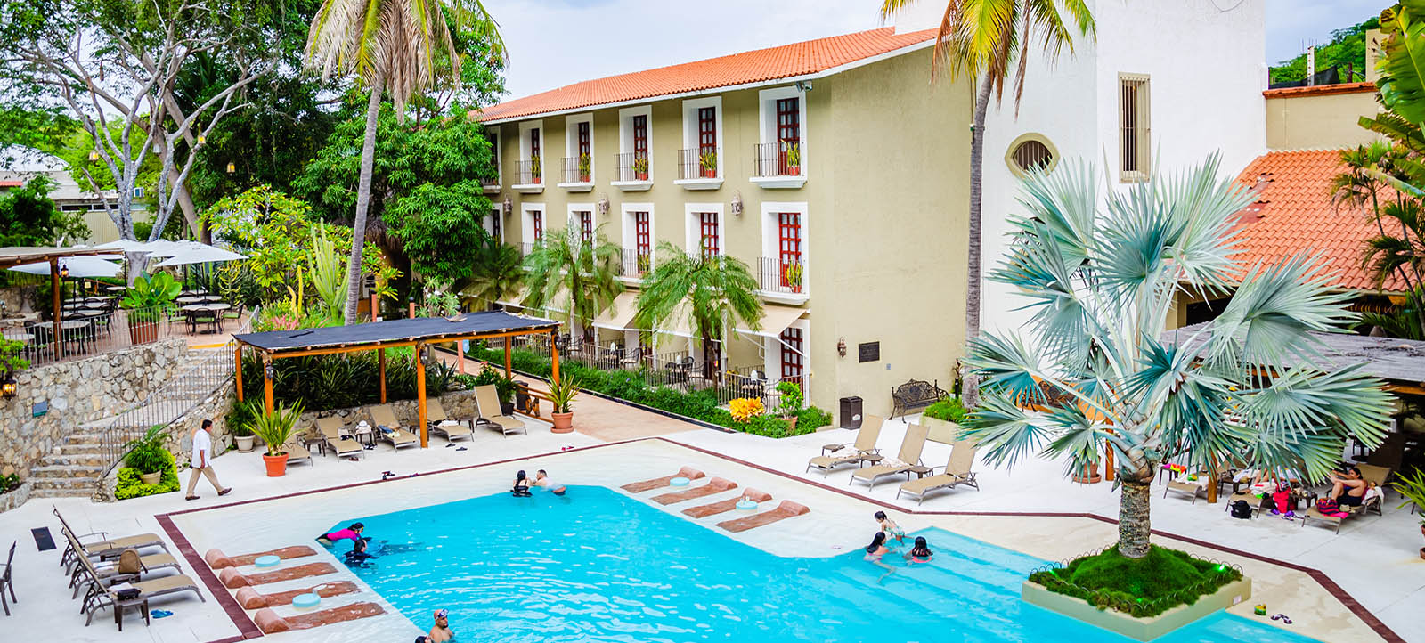 hotel binniguenda huatulco beach pool all inclusive room facilities